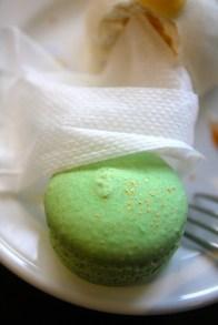 Matcha macarons with toasted pandan marshmallow buttercream