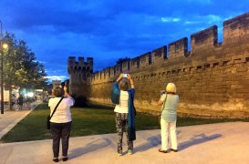 Avignon. The wall at sunset