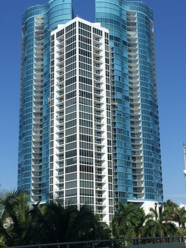 Pretty building on Las Olas Boulevard