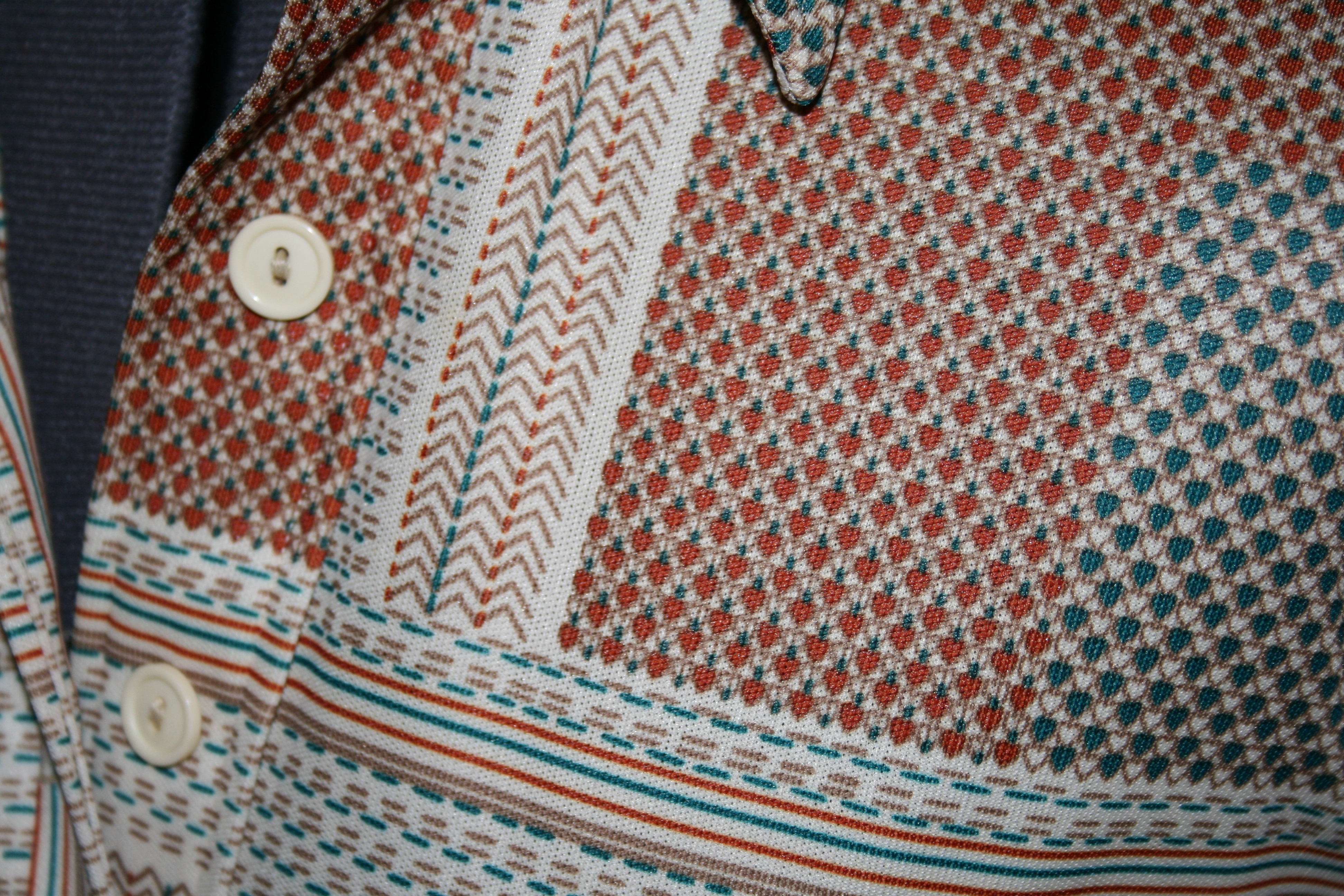 Check out this great vintage patterning.