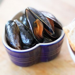 Ramekin of mussels in beer