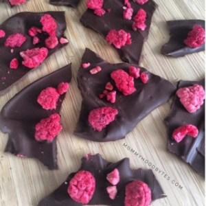 Healthy Valentine's Day Treat: Dark Chocolate Raspberry Bark
