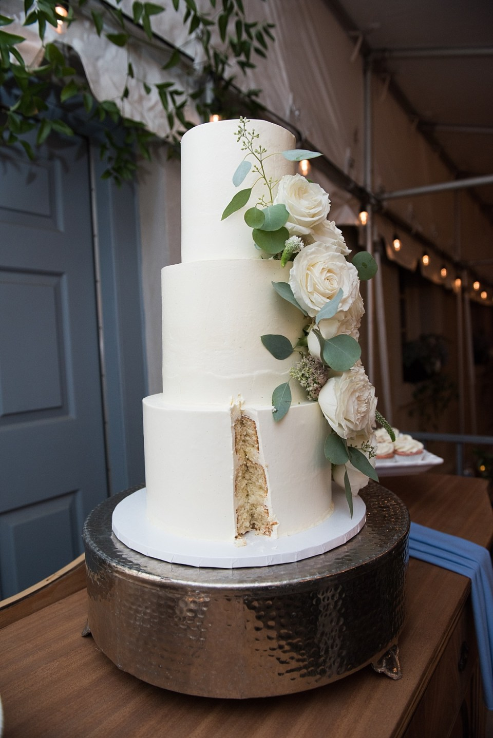 Cake Cutting at Carlyle House Wedding in Alexandria, VA by Erin Tetterton Photography