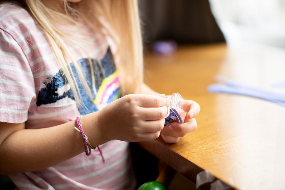 Indoor Crafts to do with Kids - tape
