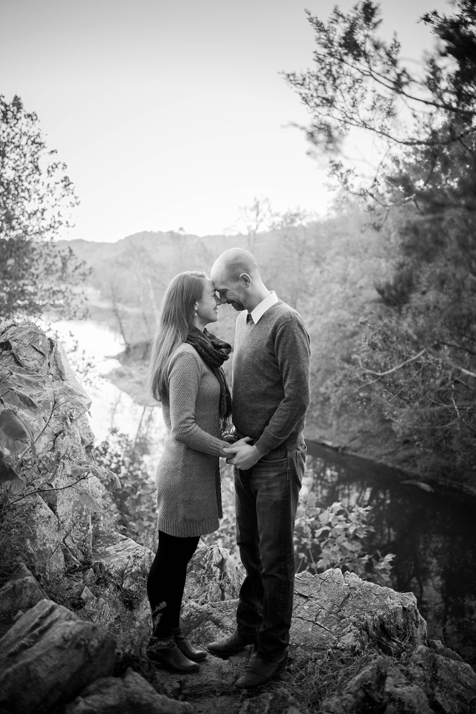 Fall Engagement Session at Billy Goat Trail at Great Falls, MD