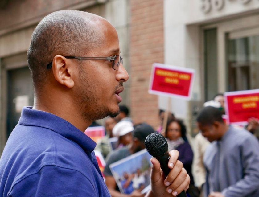 Eritrean community demonstrates outside UNHCR over refugees in Libya - Sham Gabriel speaking