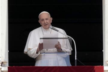 Pope prays for Tigray