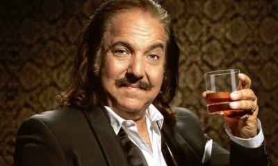 Ron Jeremy, la leyenda del cine porno está de manteles largos... muy largos