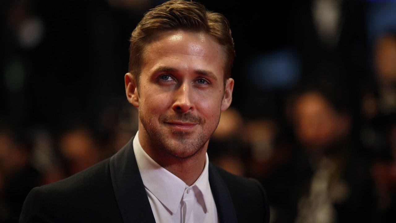 Falso Ryan Gosling acepta premio en Alemania