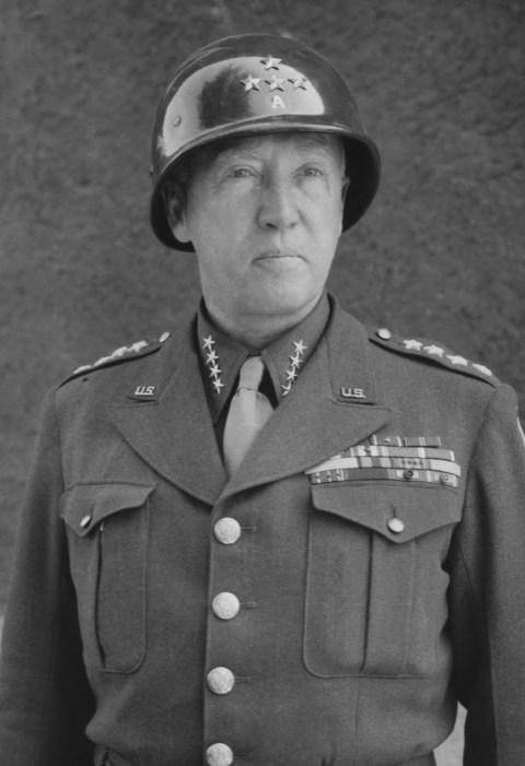 En la segunda guerra mundial, George Patton