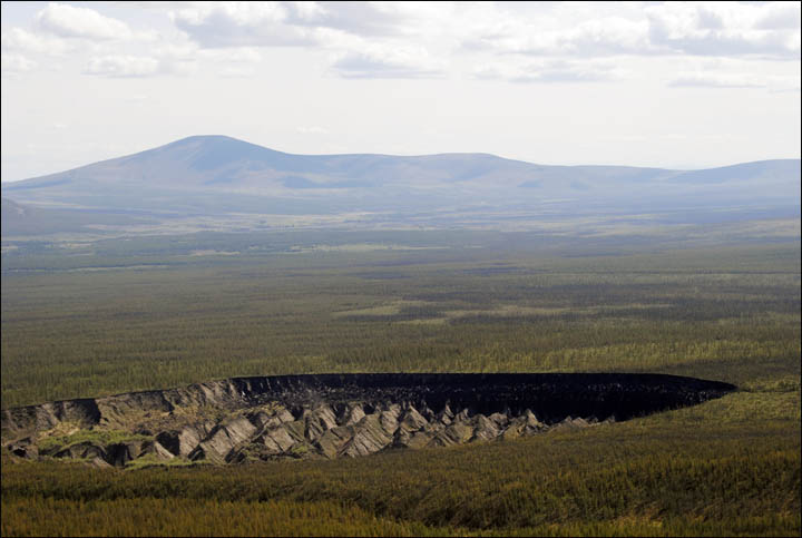 Imagen del crater batagaika o puerta del infierno