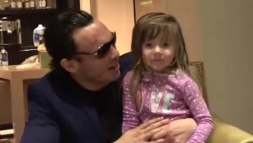 Julio César Chávez Jr es trolleado por su propia hija