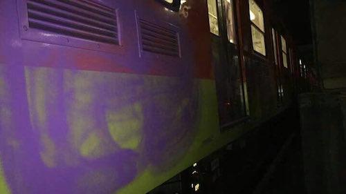 Metro de la CDMX con grafitti