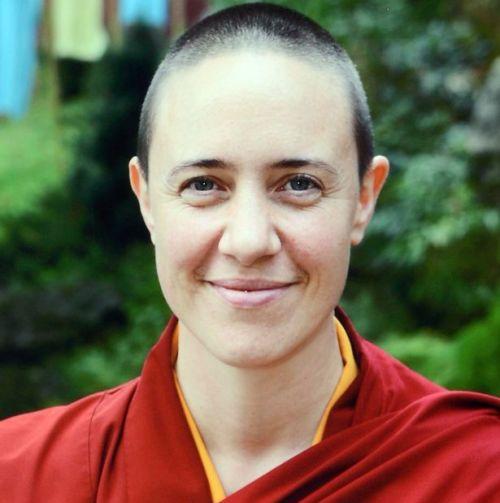 Ella fue monja y ahora es reina del fetiche