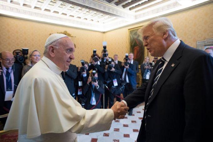 De esas veces que preferirías no saludar de mano a alguien
