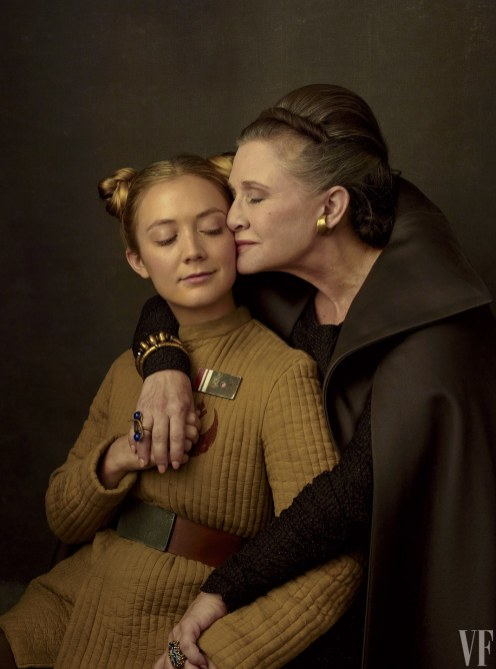 Billie Lourd y su madre, Carrie Fisher, como la Teniente Kaydel Connix y la General Organa