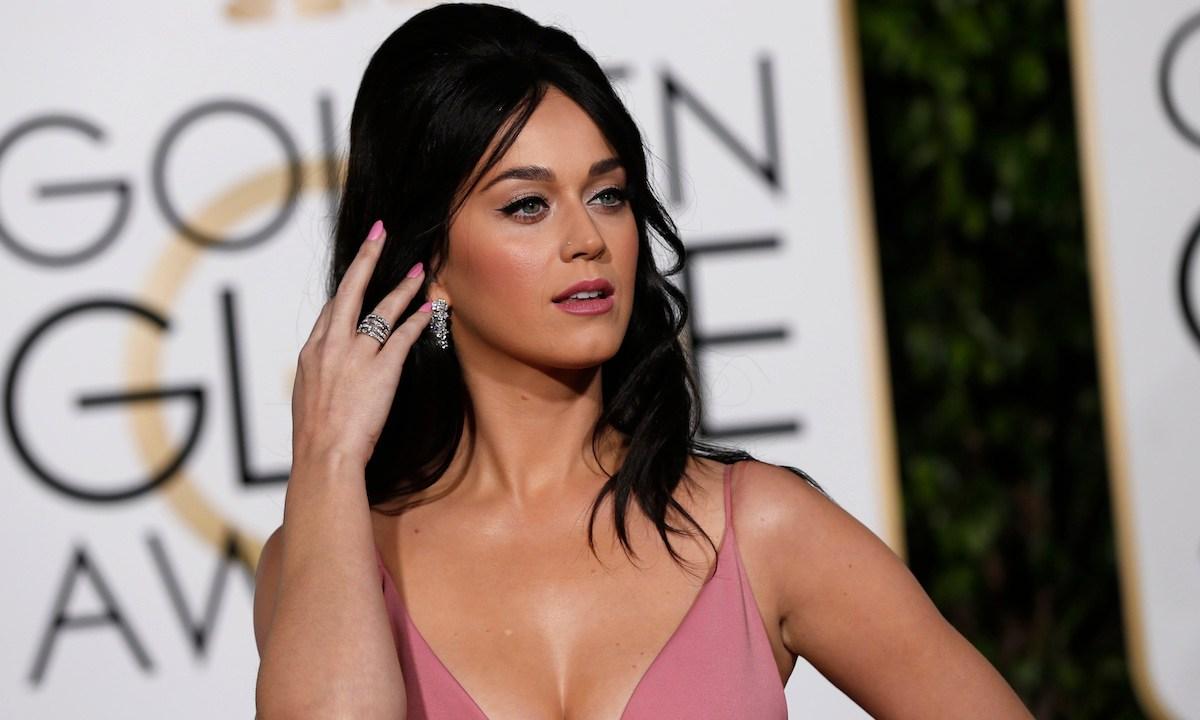 Katy Perry deja al aire su trasero por error