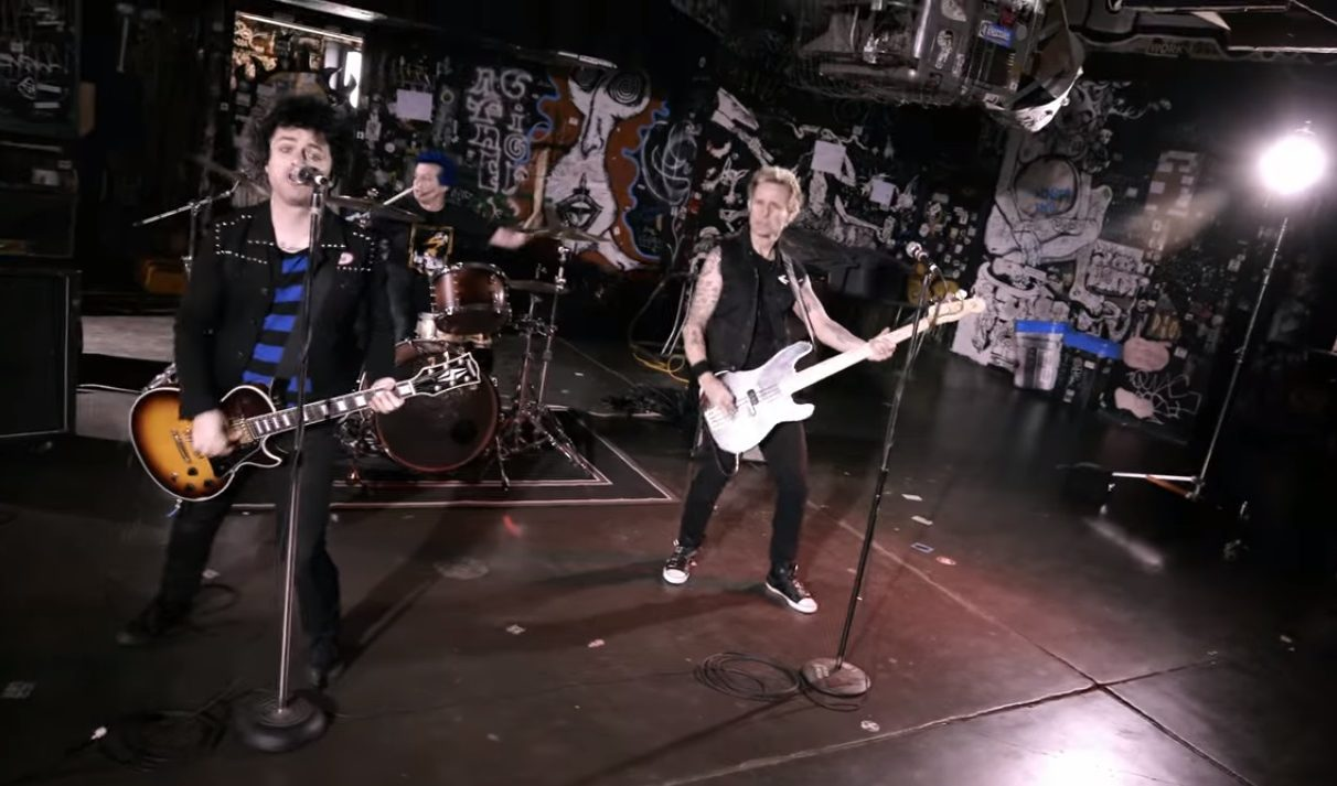Green Day regresa con Revolution Radio