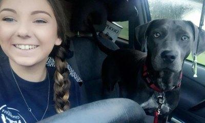 Jessica Lewis y su perra Luna