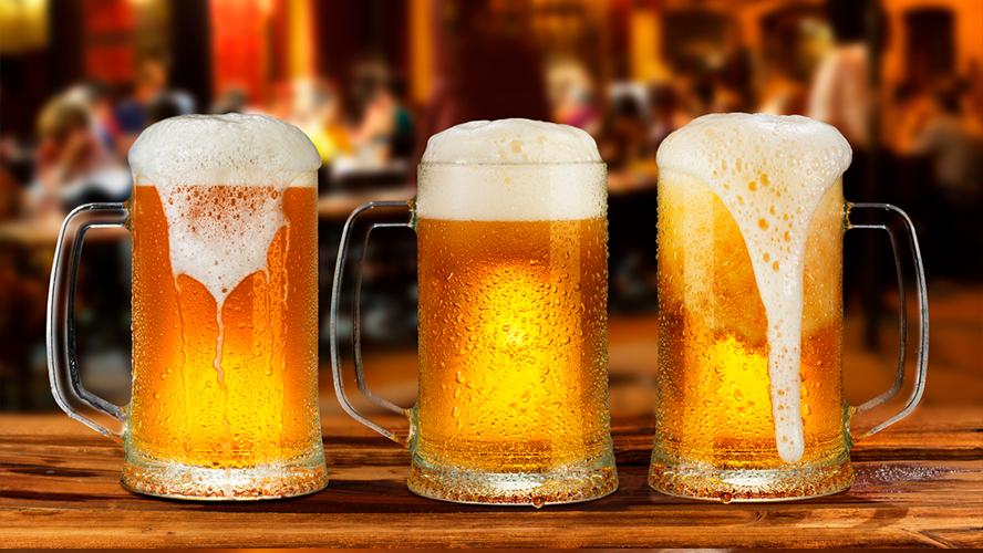 Tomar cerveza fría es la peor forma de hacerlo: expertos