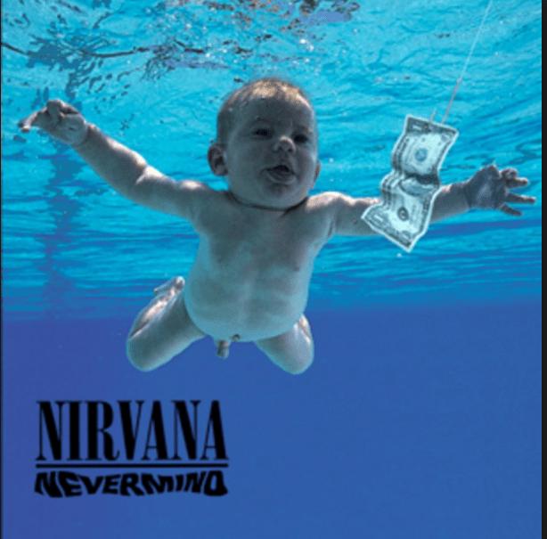 Portada del disco de Nirvana, Nevermind, con un bebé nadando