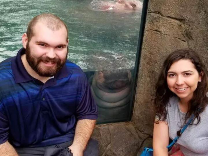 Fiona, la hipopótamo bebé durante una propuesta de matrimonio