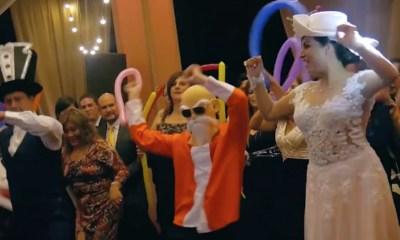 Boda con Goku, Freezer y Mestro Roshi bailando