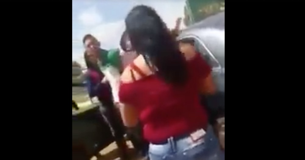 Video, Meme, Madrazos, Golpea, Estudiante, Hija