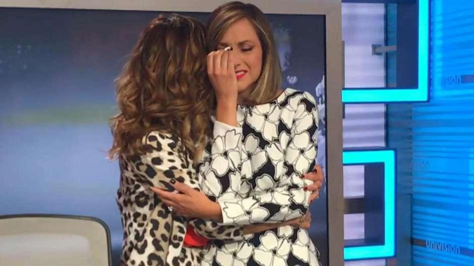 Satcha Pretto llora durante noticias en vivo