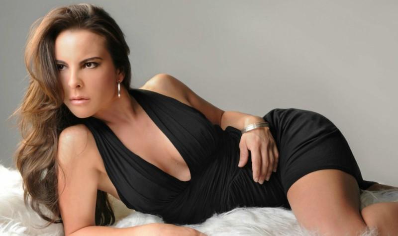 ¡Kate del Castillo se desnuda!... Por una buena causa