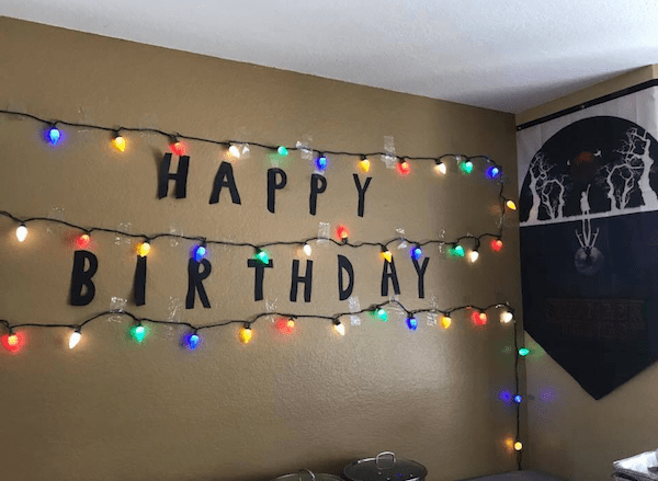 Millie Bobby Brown alegra a niño que vivía un triste cumpleaños
