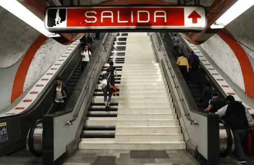 Metro-Escaleras-Piano
