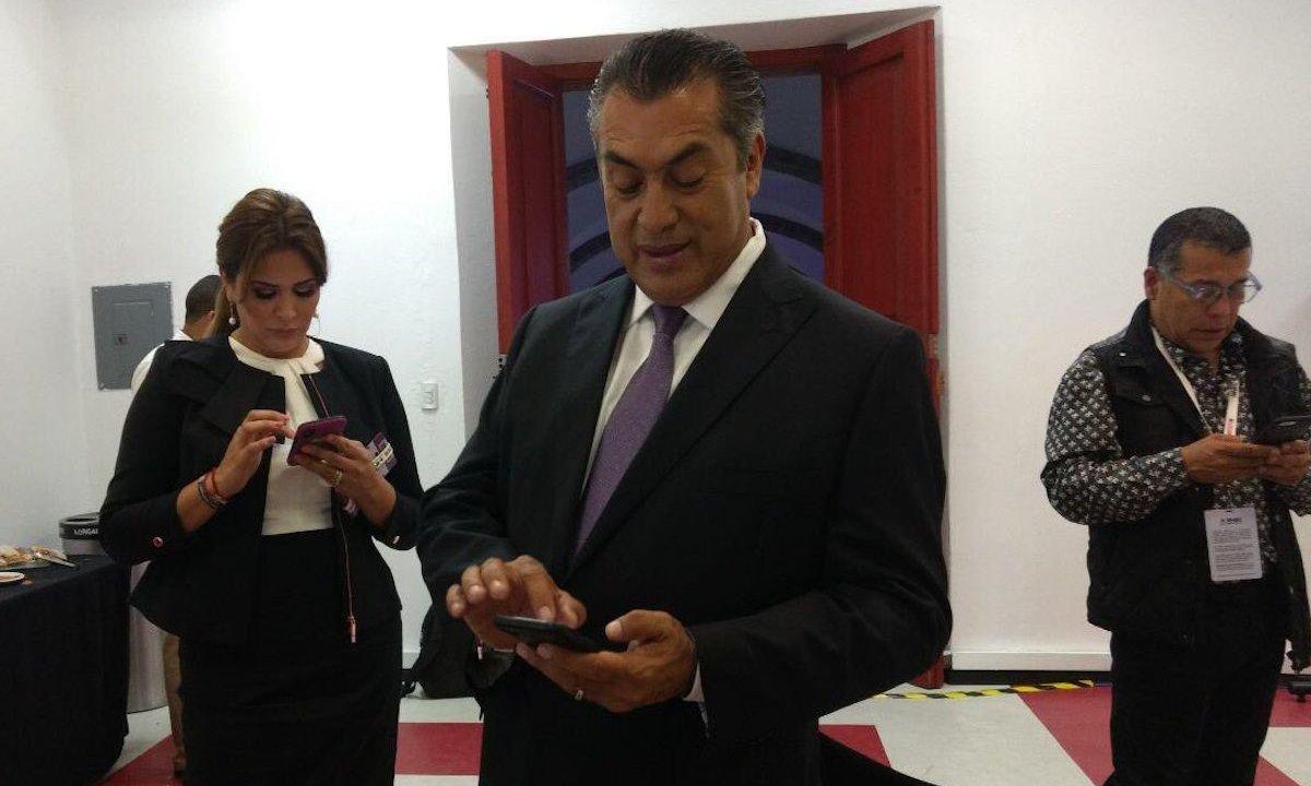 Jaime-Rodríguez-Calderon-Teléfono-Saturado-Bronco-Whatsapp