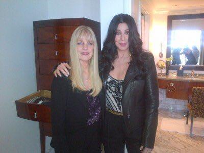 Cher y su media hermana menor, Georganne LaPiere