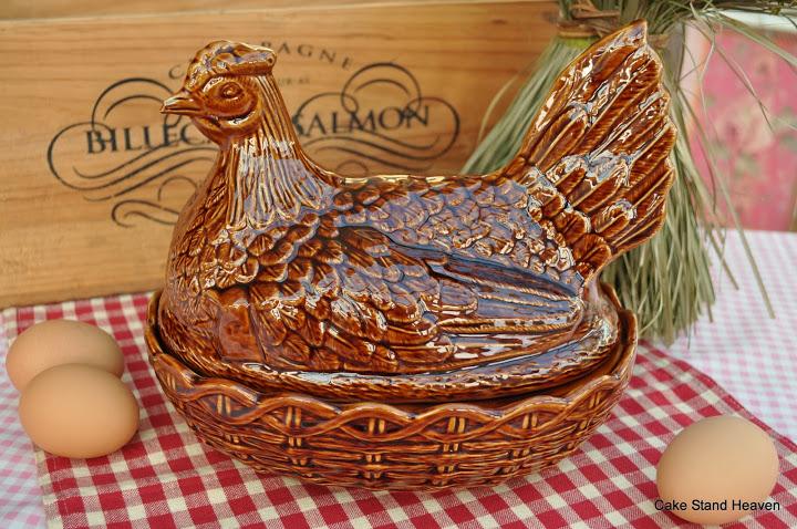 canasta-forma-gallina-para-colocar-huevos-temperatura-ambiente