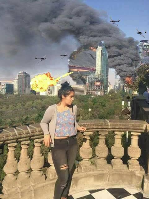 Trasero intruso inspira hermosa photoshop battle en Internet