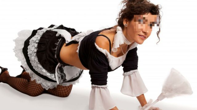 anuncio-mucamas-desnudas-lenceria-provoca-polemica-internet-redes-sociales