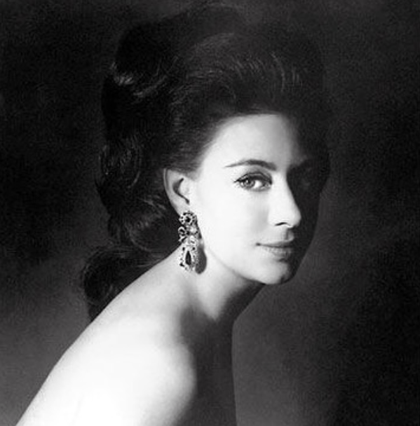 retrato-foto-polemica-princesa-margaret-windsor-hermana-reina-isabel-ii