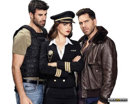 imagen-promocional-protagonista-personajes-serie-television-la-piloto-con-logo-de-brazzers