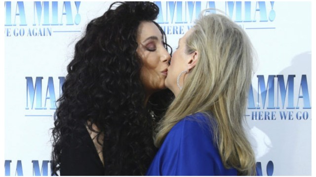 Cher y Meryl Streep Beso lésbico Hizo Viral