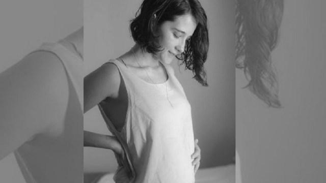 Ximena Sariñana Coparte Foto Primera Bendición