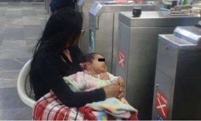 Abandonó a su esposa e hija en metro para seguir empedando