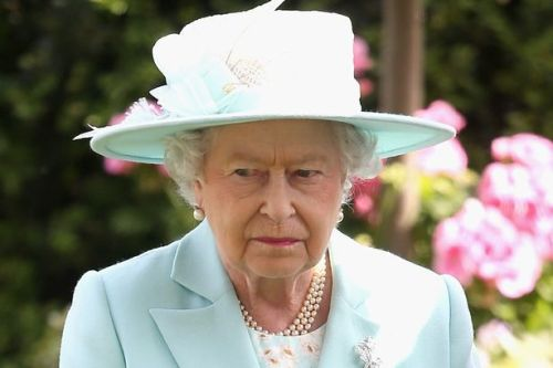Principe Harry hace enojar a la familia real