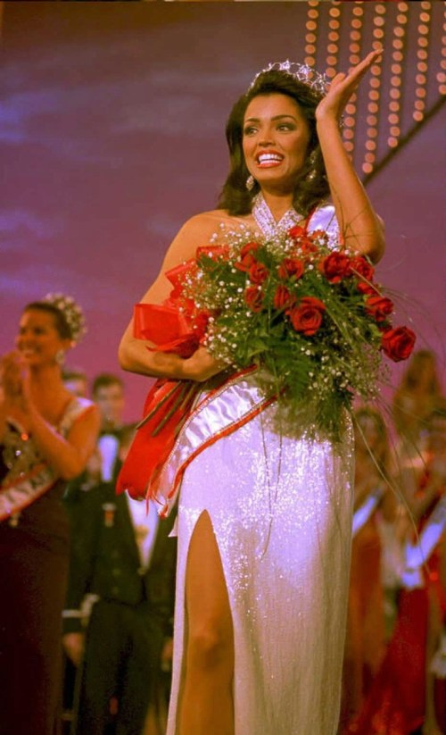 Muere Chelsi Smith Miss Universo 1995