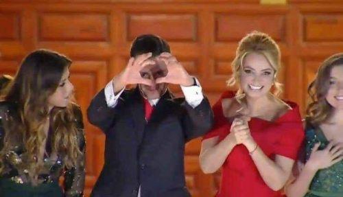 Enrique Peña Nieto manda corazón con las manos
