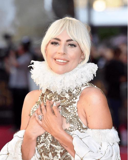 Lady Gaga compra casa de 30 millones de dólares