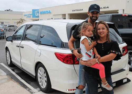 Adamari López recibe la visita de su hija en el hospital