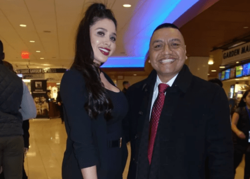 Esposa del Chapo Guzmán acude a pelea del CANELO