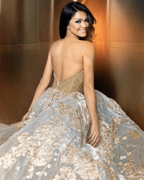 Miss Puerto Rico se cae desfilando con traje típico