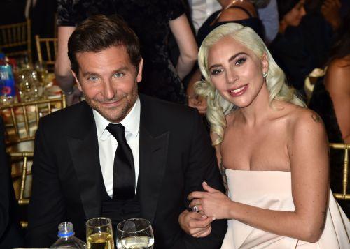 Bradley Cooper y Lady Gaga cantan Shallow juntos por primera vez